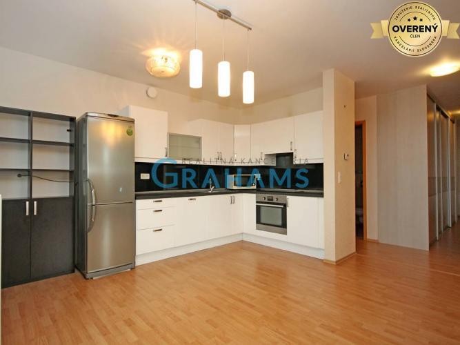 Reality GRAHAMS - PRENÁJOM priestranný 4 izb byt v komplexe 3 veže