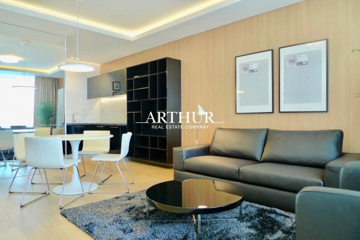 Reality ARTHUR - Prenájom luxusného 2i bytu v Panorama City, Landererova ul., parking