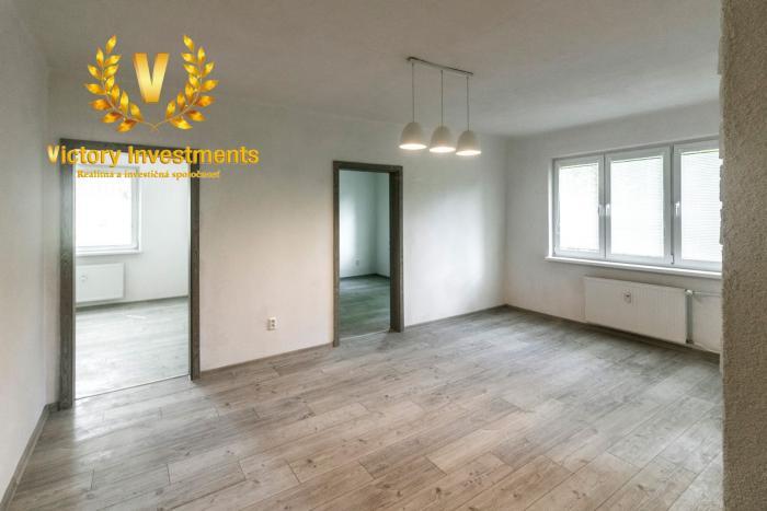 Reality Predaj - Krásny, kompletne zrekonštruovaný 3i byt Družby Banská Bystrica (Znížená cena!)