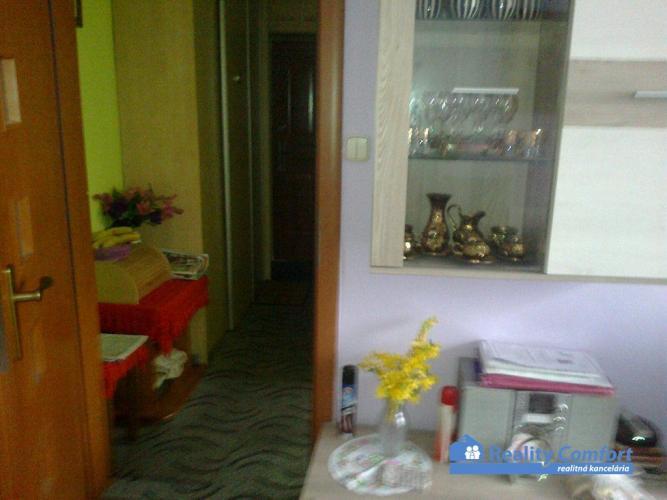 Reality NA PREDAJ, 1 izbový byt,- blok JENISEJ, Svätoplukova, Poprad