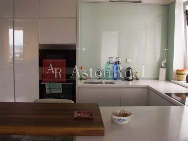 Reality Predaj: 2-izbový byt s lodžiou, 60 m2, MILESTONE, B.Bystrica