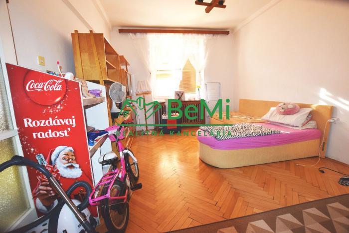 Reality Veľkometrážny tehlový 1 izbový byt Nitra - Centrum