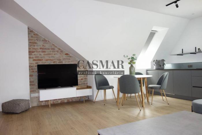 Reality CASMAR RK - Exkluzívny 3 izb. byt v centre mesta