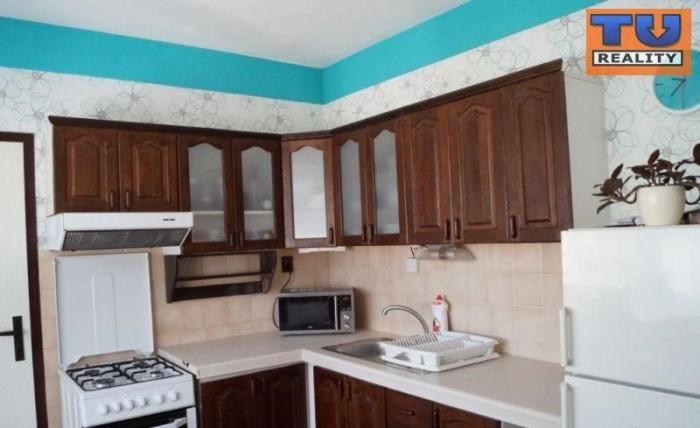 Reality Predaj priestranný 3 izbový byt /87 m2/ v Nitre na Klokočine, čiastočná rekonštrukcia, vyhľa