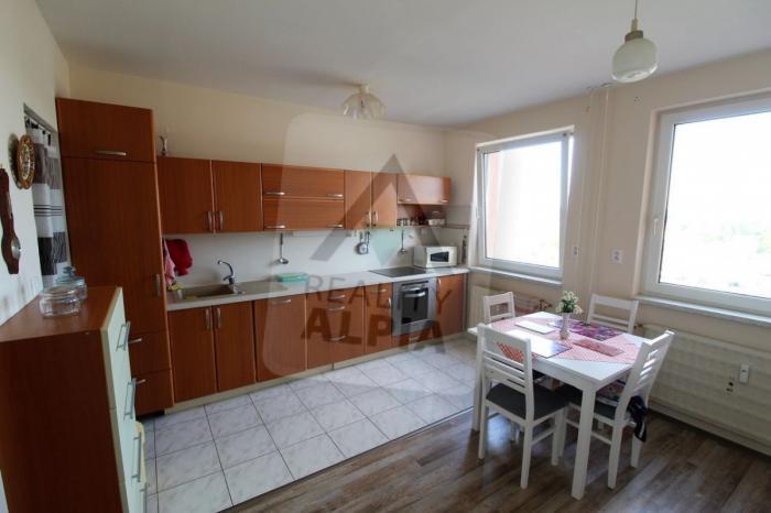 Reality 2-izbový byt byt, Komárno, Sídlisko IV