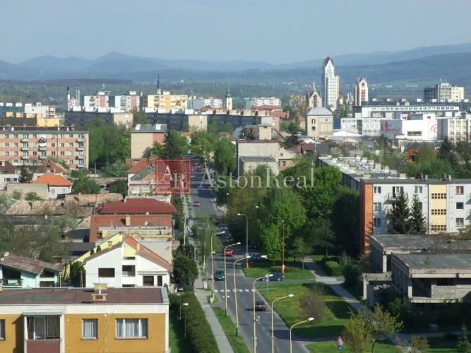 Reality Súrne hľadáme pre klienta 3-izbový byt na RÚBANISKU v Lučenci