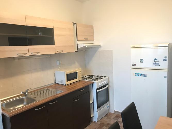 Reality Plne zrekonštruovaný 3-izbový byt na Holíčskej ul.