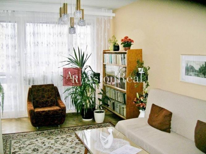 Reality Predaj: 3 - izbový byt v pôvodnom stave, 63 m2 Centrum Lučenec