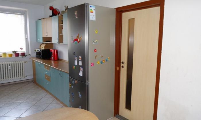 Reality Paseo Reality má na predaj 3 izbový byt 68 m2 s loggiou na sídl. Dargovských hrdinov
