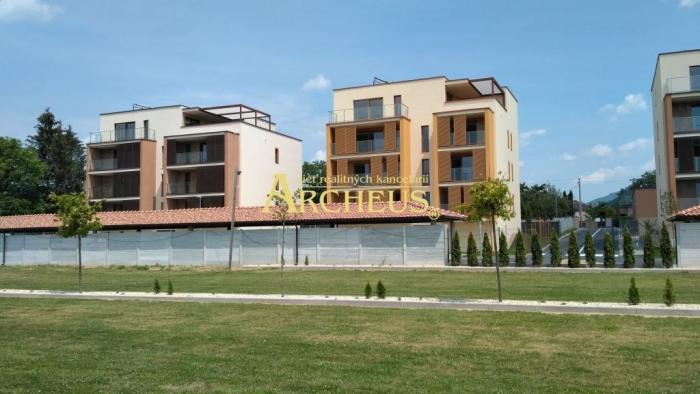 Reality EXKLUZÍVNE! NOVOSTAVBA 3-IZBOVÝ BYT, Prešov-SOLIVAR 81m2,, LODŽIA 13m2, PARKOVACIE STÁTIE