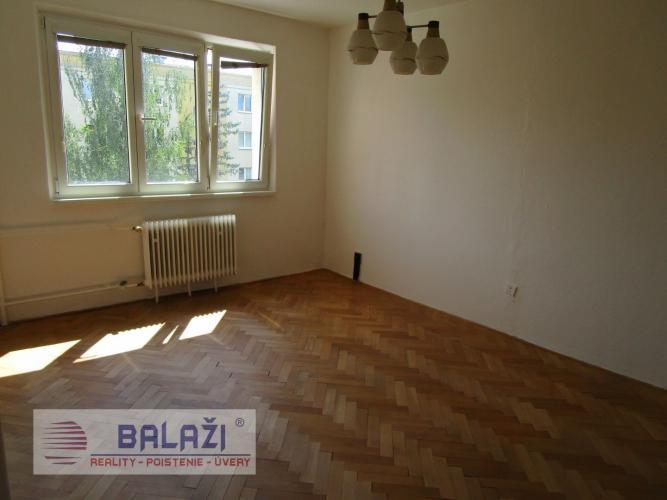 Reality MARTIN 2 izbový byt 62m2 s balkónom, SEVER