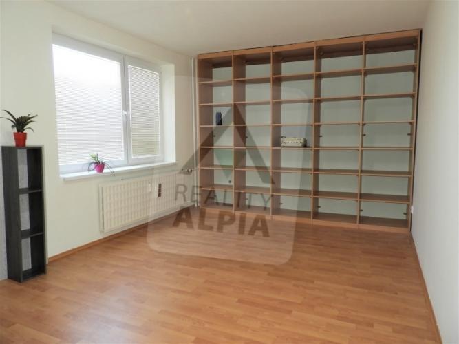 Reality 2-izbový byt byt, Nové Zámky