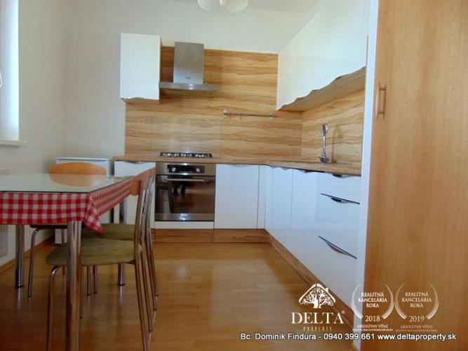 Reality EXKLUZÍVNE - Slnečný 3-izbový byt s dvomi balkónmi a nádherným výhľadom na Tatry na prenáj