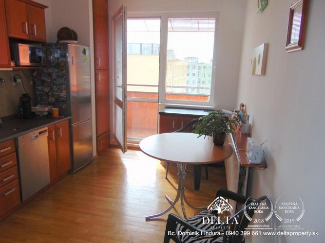 Reality DELTA - Priestranný 4-izbový byt s balkónom na predaj Sp.Nová Ves - Východ