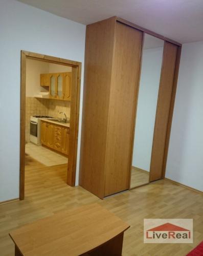 Reality Slnečný, 1 izb, 34 m2, s balkónom, kompletná rekonštrukcia, Senec, Bernolákova