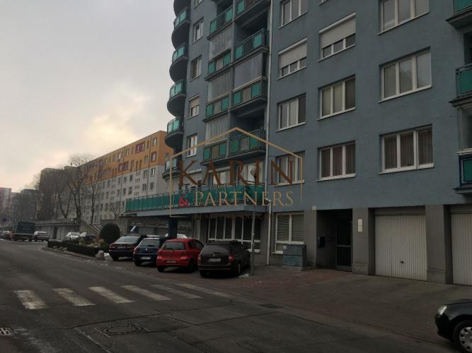 Reality Samostatná izba s balkónom v Ružinove pri Retre