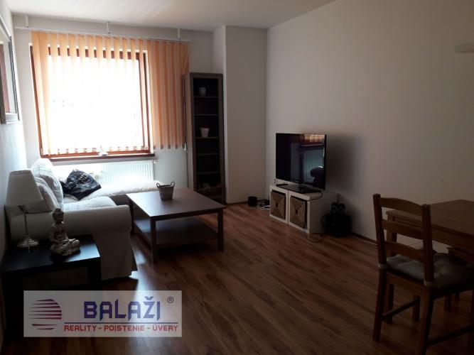 Reality MARTIN Nájom 3 izbový byt 79m2, Centrum