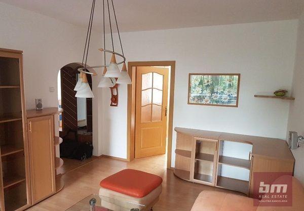 Reality Prenájom 4 - izb. bytu v Petržalke na ul. A. Gwerkovej