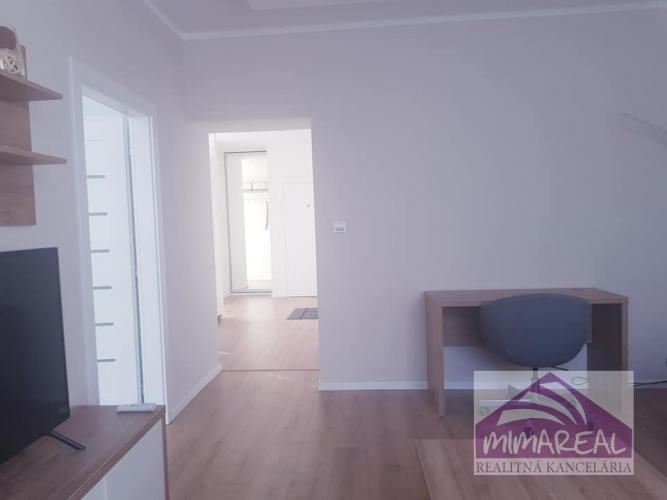 Reality Nadštandardtne prerobený a nanovo zariadený 2-izbový byt na začiatku Vajnorskej ul.