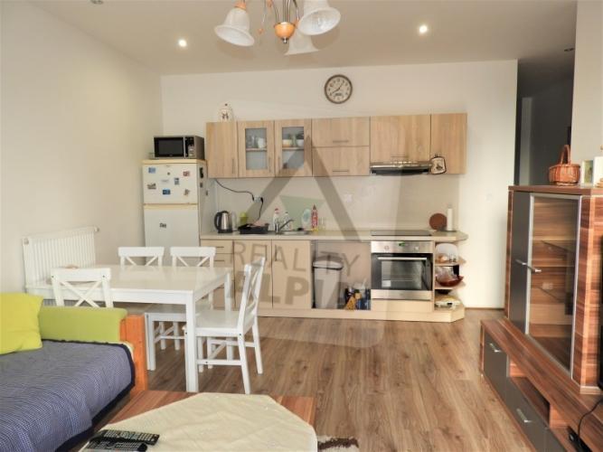 Reality 2-izbový byt byt, Nové Zámky, Západ, Andovská (čísla nepárne 1-69, 70-108)