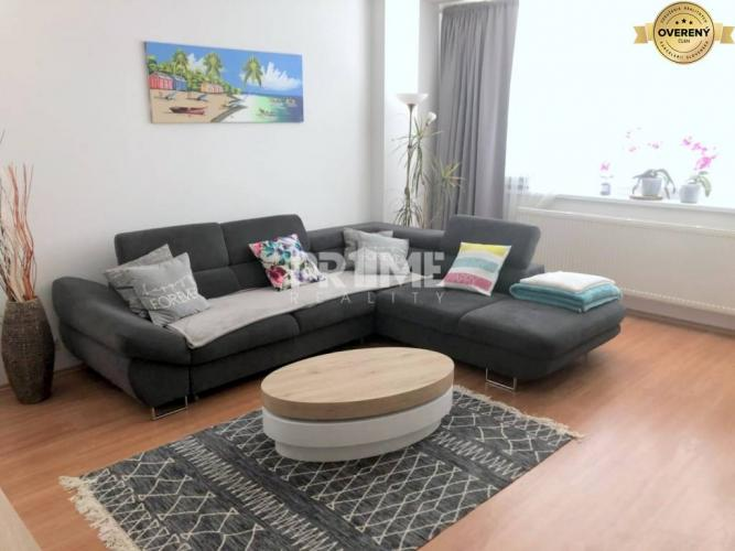 Reality Pekný 2i byt, novostavba, loggia, Solar, Budatínska ulica, Petržalka