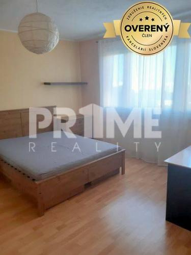 Reality Útulný 3i byt,balkón,3 x neprechodná spálňa,Iľjušinová ulica,Petržalka