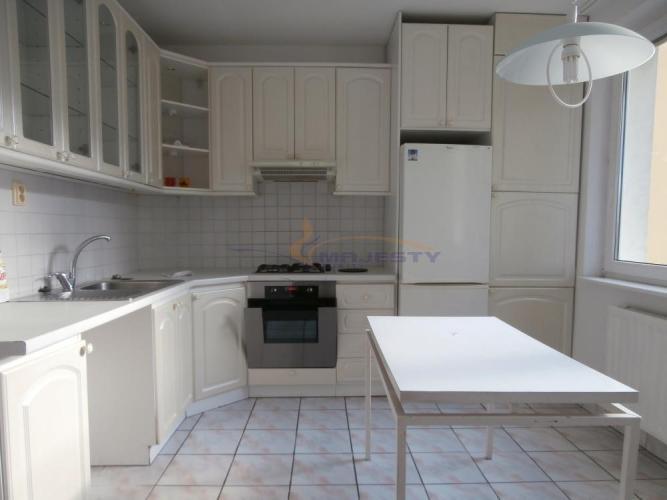 Reality Prenájom 3-izb. bytu centrum, Poprad