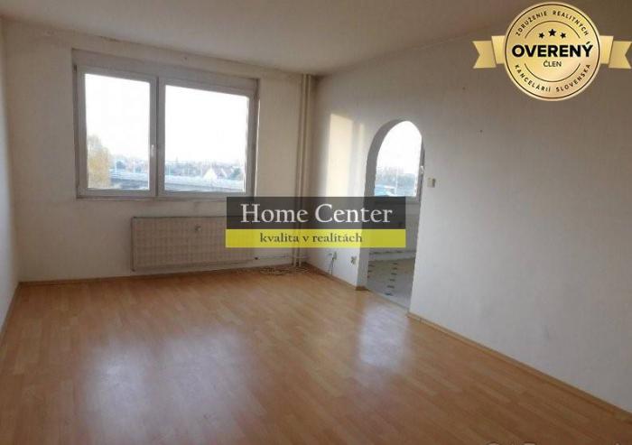 Reality PREDAJ : 3 izbový byt s balkónom, ul. Pávia, 75 m2, Komárno