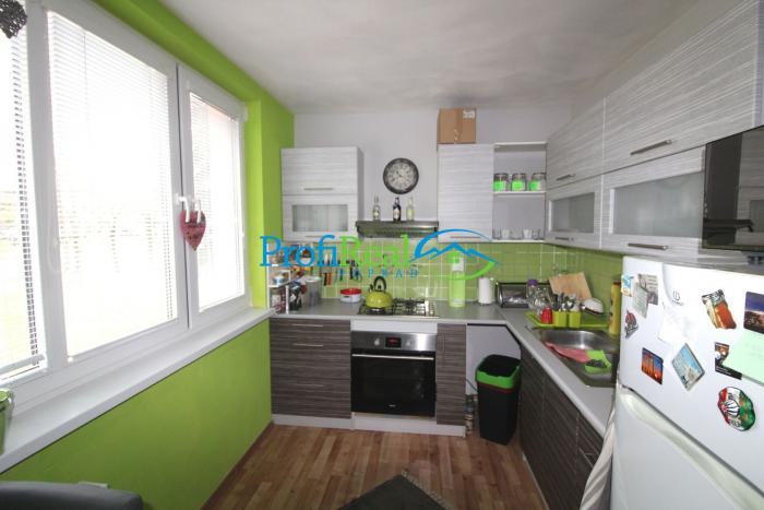 Reality Na predaj prerobený 3-izbový byt s balkónom v Poprade blízko centra