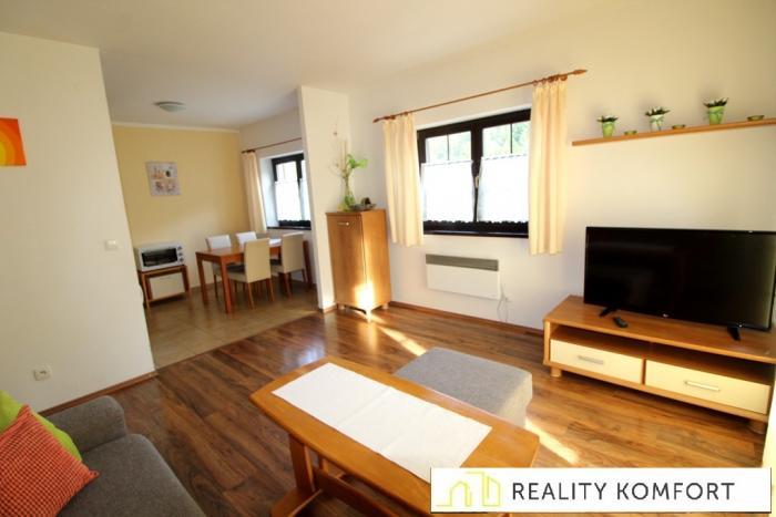 Reality 2.izb.APT s 2 loggiami a garážou v Hrabovskej doline
