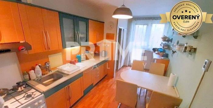 Reality Pekný 2i byt,balkón,loggia,2 x nepriechodná izba,Slovinská ul.Trnávka