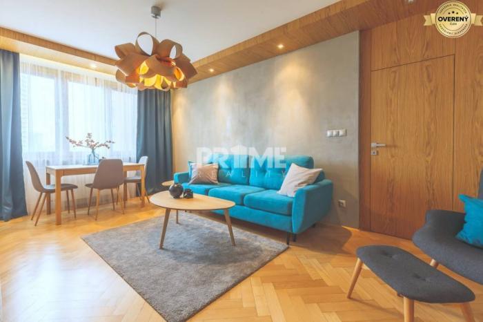 Reality Pekný 2,5i byt,2 x balkón,klíma,rekonštrukcia,Sibírska ul.,Nové Mesto