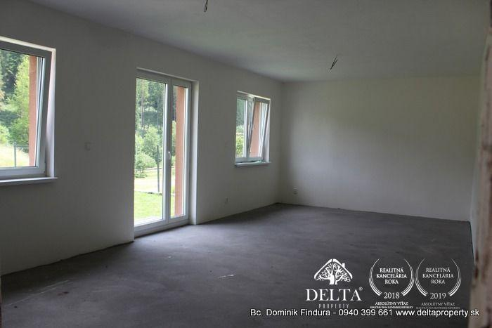 Reality DELTA - Priestranný 3-izbový byt s veľkou predzáhradkou na predaj v novostavbe Novoveská Huta