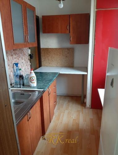 Reality Predaj 1 izb. byt, Saratovská ulica-  Dúbravka