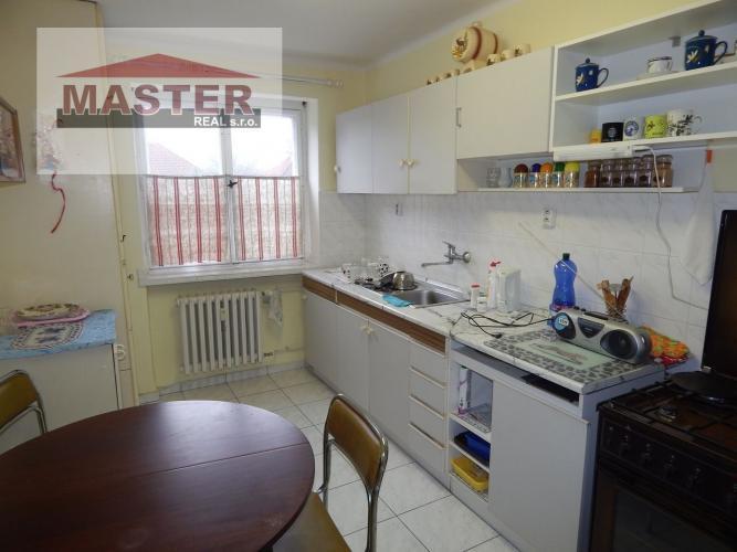 Reality Na predaj 2- izbový byt, 61 m2, Prievidza, Staré Sídlisko