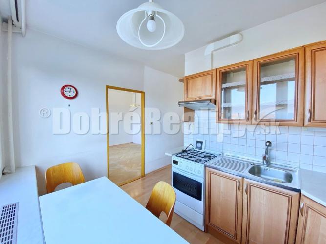 Reality 2,5 izbový byt Čínsky múr v Prievidzi, 65 m², 5.p./8.p., Ul. J. Murgaša