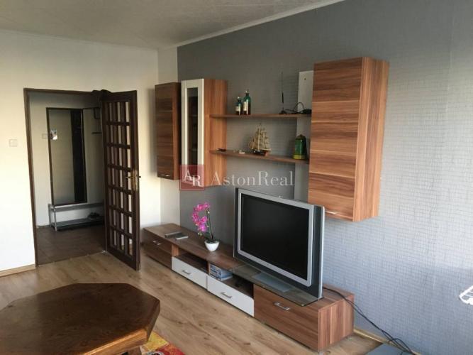 Reality Rezervovaný - Na predaj 2 - izbový byt ( prerobenie na 3i byt) Sásová