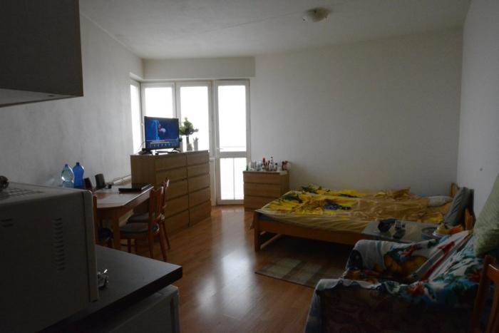 Reality TRNAVA REALITY s.r.o. ponúka 1 izbový byt s francúzskym balkónom na ulici Koniarekova