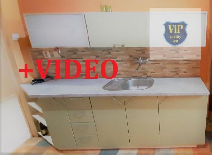 Reality VIDEO. Byt 3+1 85 m2, tehla, nízke náklady, vlastne parkovanie, Banská Bystrica - centrum