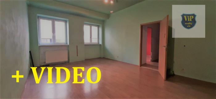 Reality VIDEO. Byt 4+1 85 m2, tehla, nízke náklady, vlastne parkovanie, Banská Bystrica - centrum
