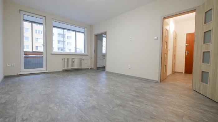 Reality 1,5-izb. byt, 39 m2 + loggia, po rekonštrukcii na ul. Sch.Trnavského v Bratislave.