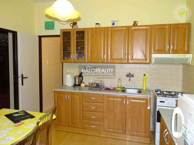 Reality Predaj, trojizbový byt Bratislava Karlova Ves, tehlový dom, výnimočný byt