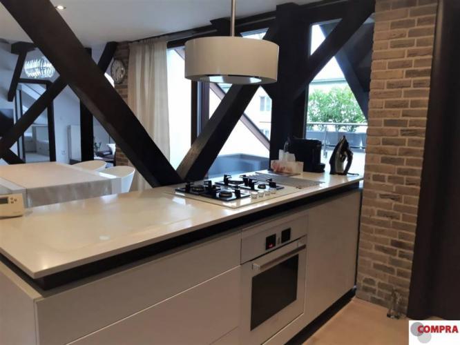 Reality 3,5  izb. zariadený slnečný byt s terasou a parkovaním, 130 m2