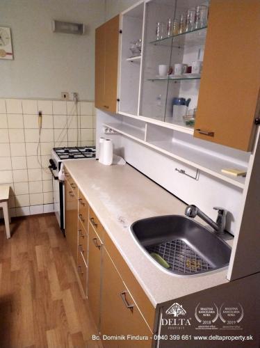 Reality DELTA - Slnečný 2-izbový byt s dvomi balkónmi na predaj Poprad - širšie centrum