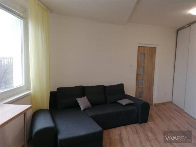 Reality VIVAREAL* PRENÁJOM 2+1 izb. byt, komplet rekonštrukcia, zariadený, blízko centra, ul. Hospodárs
