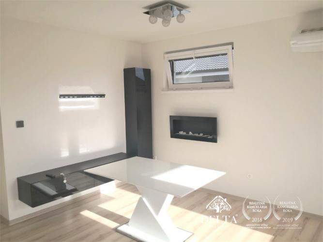 Reality DELTA-Hviezdoslavov, Zariadený 3 izbový byt s predzáhradkou