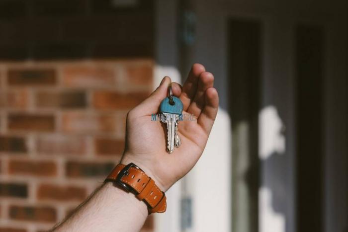 Reality MAXFIN REAL - hľadáme pre klienta 1 izbový byt v Banskej Bystrici.