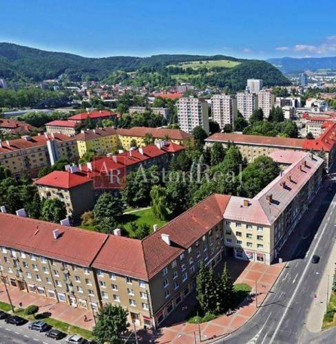 Reality Súrne hľadáme pre klienta 2 izbový byt SÍDLISKO - Banská Bystrica