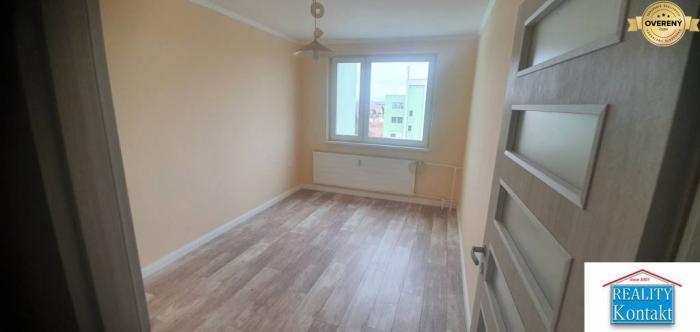 Reality Predám PEKNÝ 2 izbový prerob na 3 izbový byt  po kompletne rekon. v NZ