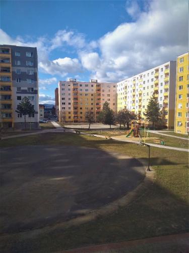 Reality 3 izbový byt, zachovalý pôvodný stav, v dobrej lokalite - ponuka je exkluzívna !